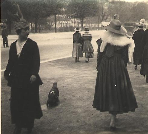 Ladies Promenading, 1915 [JHL 175]