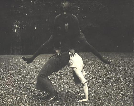 Simone and Golo, Saint-Cloud, 1913 [#16]