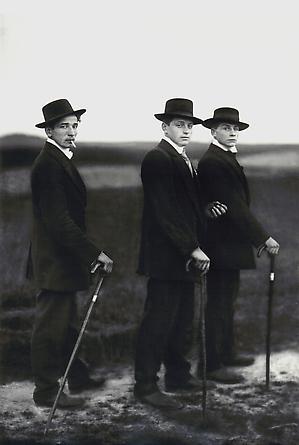 August Sander Young Farmers, 1914 © SK-Stiftung Kultur – August Sander Archiv VG-Bild Kunst, Bonn