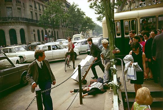Joel Meyerowitz Paris, Fallen Man, 1967