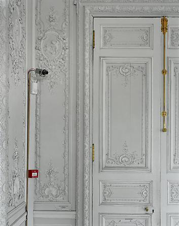 Security camera and boiserie detail, Grand Cabinet de Madame Victoire, (54)CCE.01.052, Corps Central - RdC, Versailles, 2005