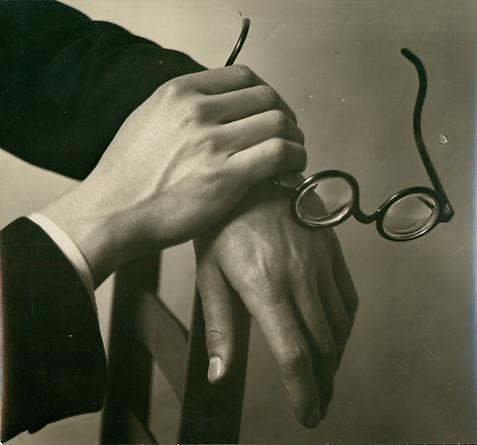 Andre Kertesz, Paul Arma's Hands, 1928