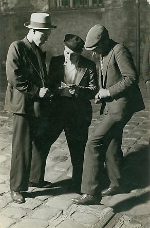 Gens du Milieu, c. 1932