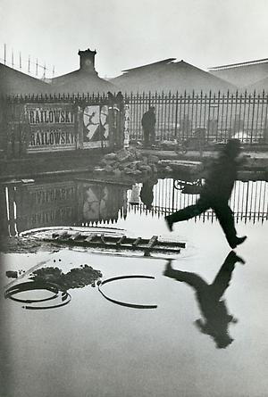 Derrière La Gare Saint-Lazare, 1932