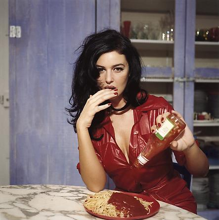 Breakfast with Monica Bellucci, Paris, novembre 1995