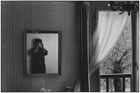 Elliott Erwitt, Orléans, France, 1974