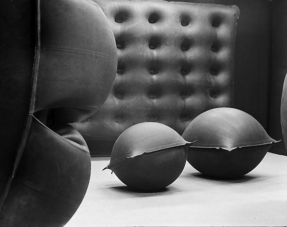 Rubber Volume Installation view Galeria Foksal, Warsaw 1967