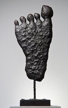 Untitled (Foot) 2004  cast bronze 68.5 x 25.5 x 19 cm
