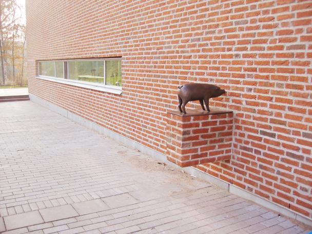 Tätt intill 2005 bronze public commission Huddinge, Sweden
