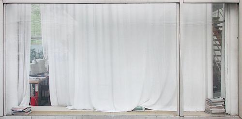 White Curtain II Ed. 3/6 2002 c-print 130 x 262 cm