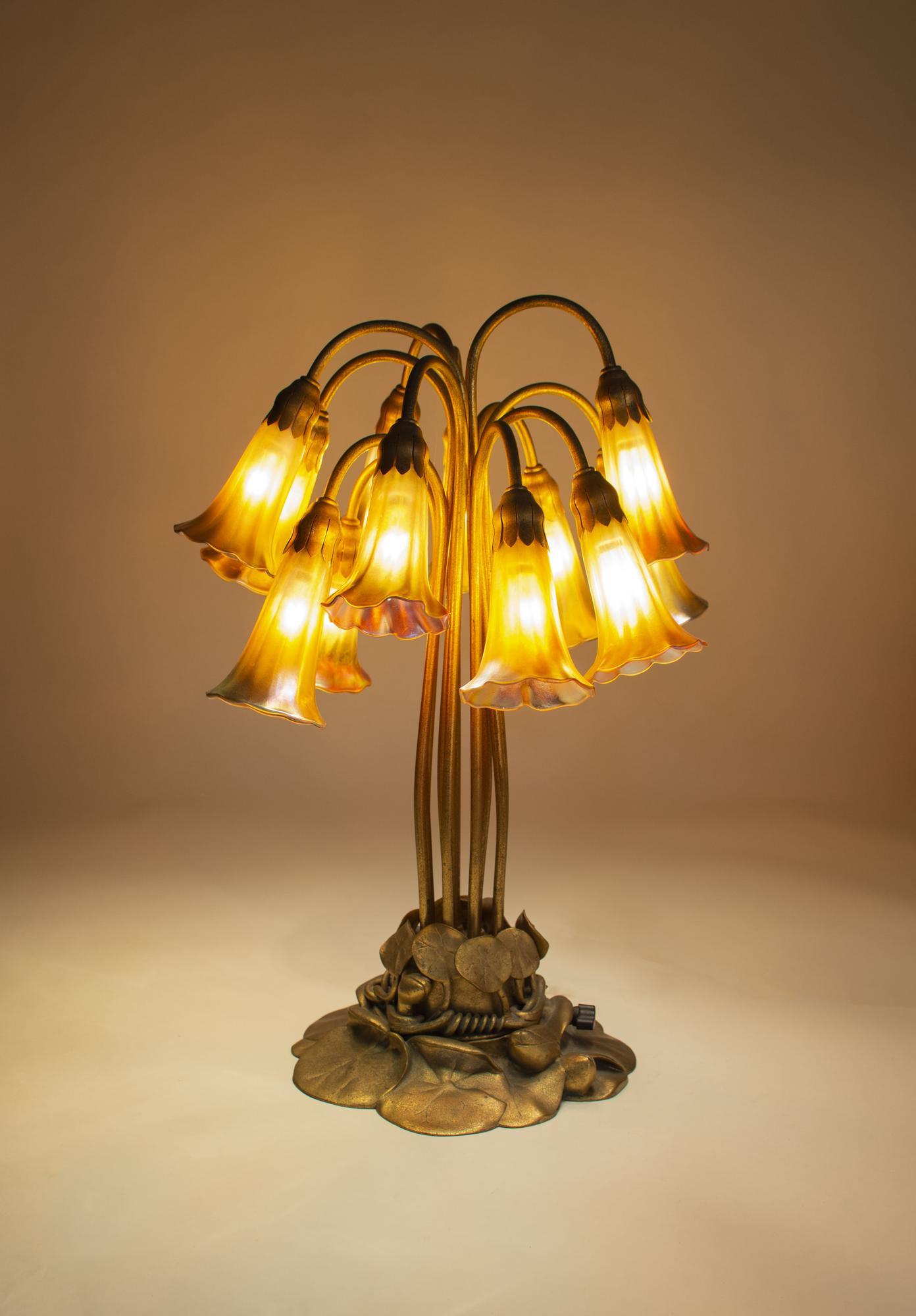 Tiffany Studios  12-Light  Lily  Table Lamp 2