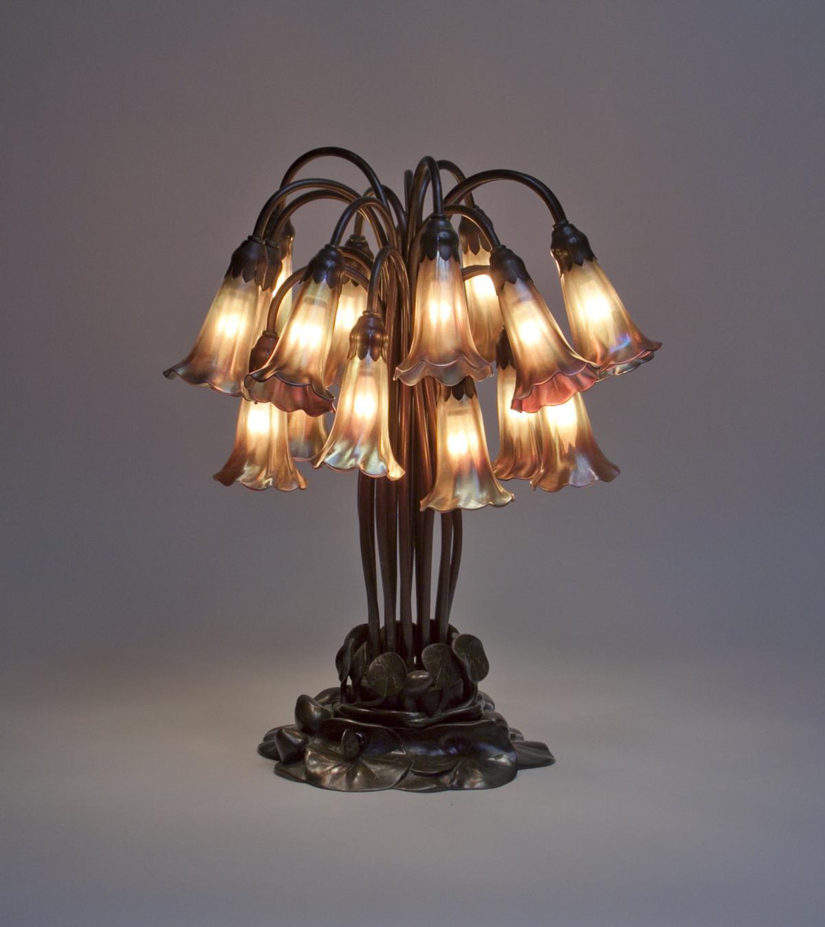 Tiffany Studios  18-Light Lily Table Lamp 2