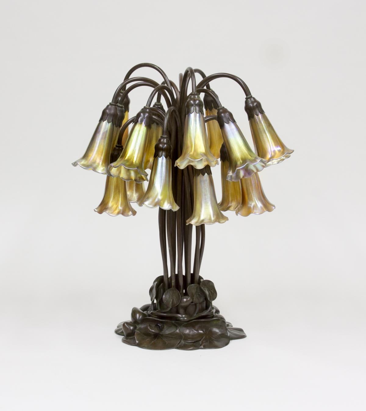 Tiffany Studios  18-Light Lily Table Lamp 1