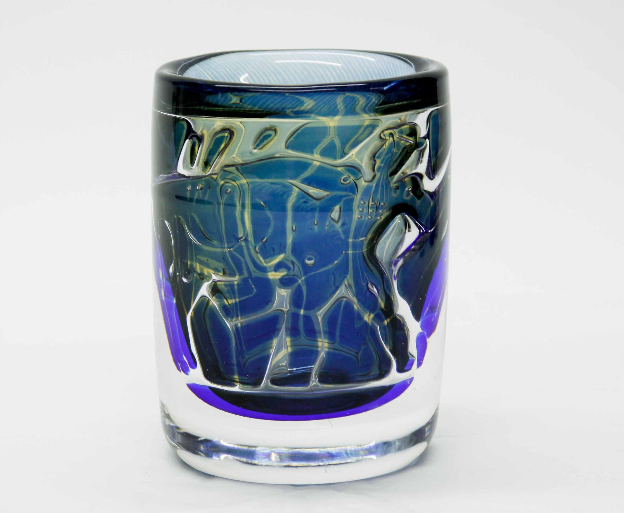 Orrefors Ariel Bullfighter Vase 1
