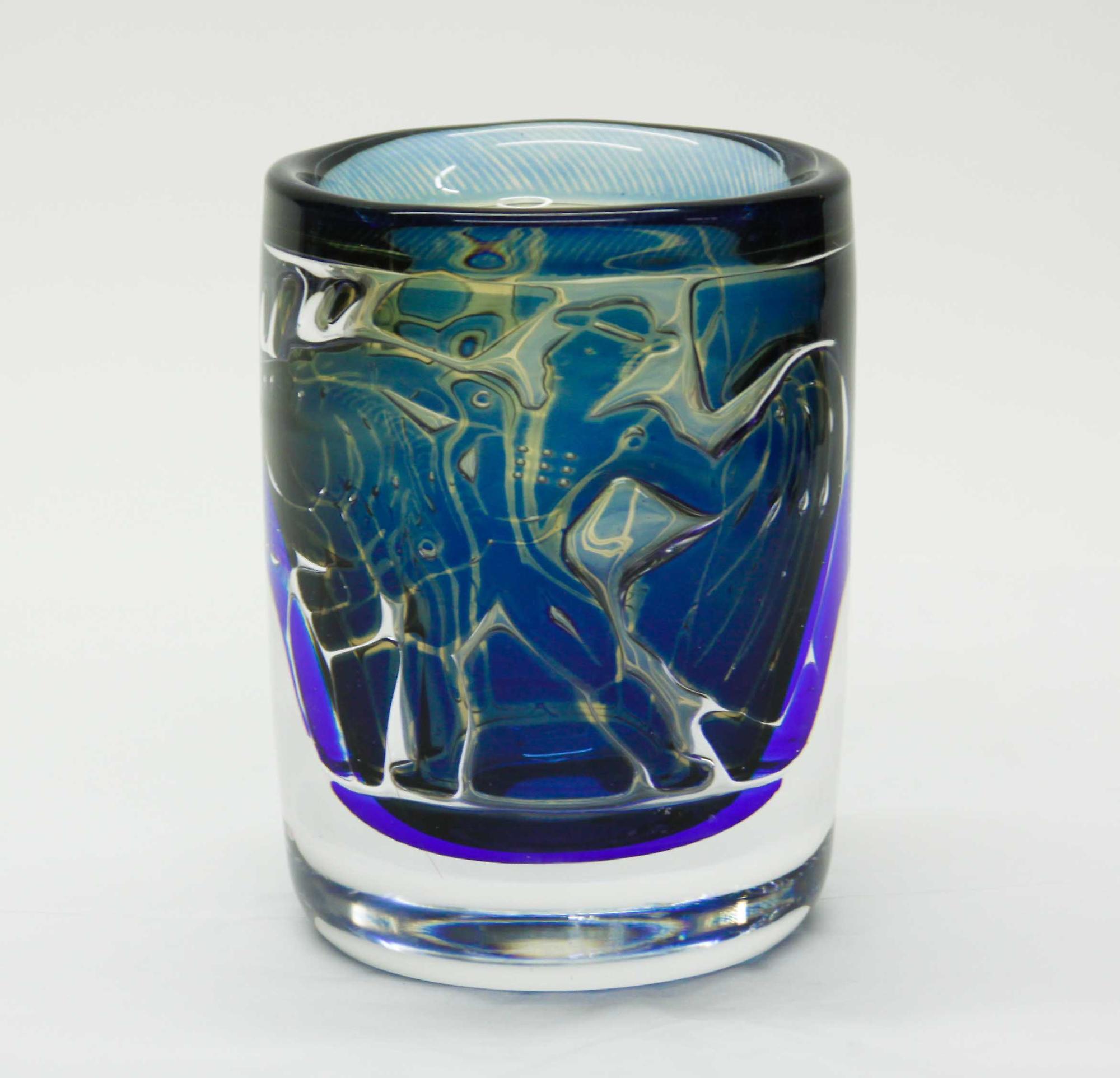 Orrefors Ariel Bullfighter Vase 4
