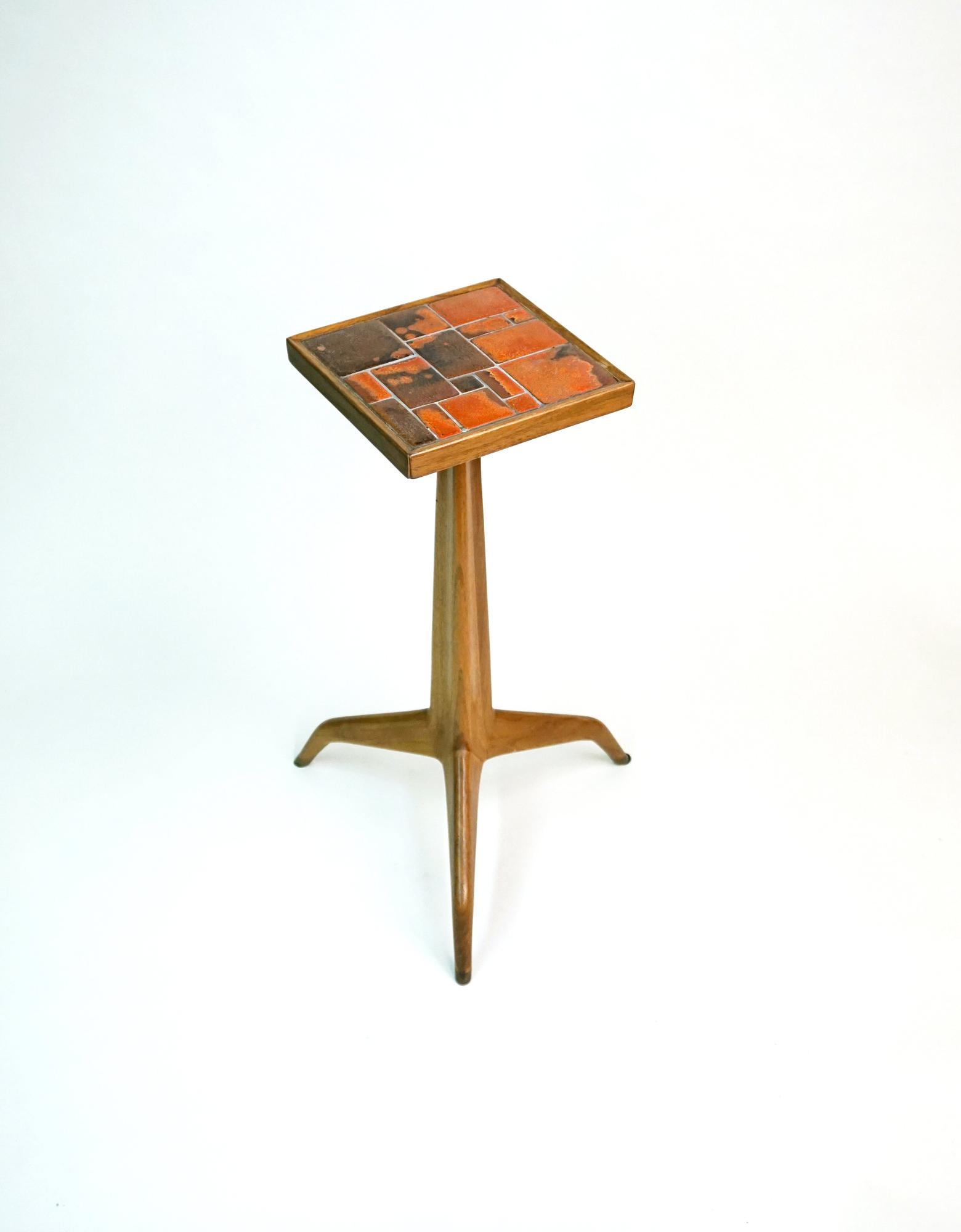 Edward Wormley for Dunbar  Janus Tripod Table 1