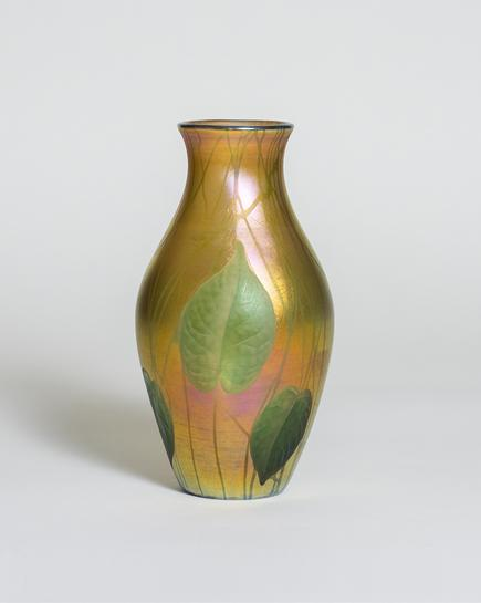 Tiffany Studios Favrile Glass Vase with Wheel-Carved Leaves and Vines 1