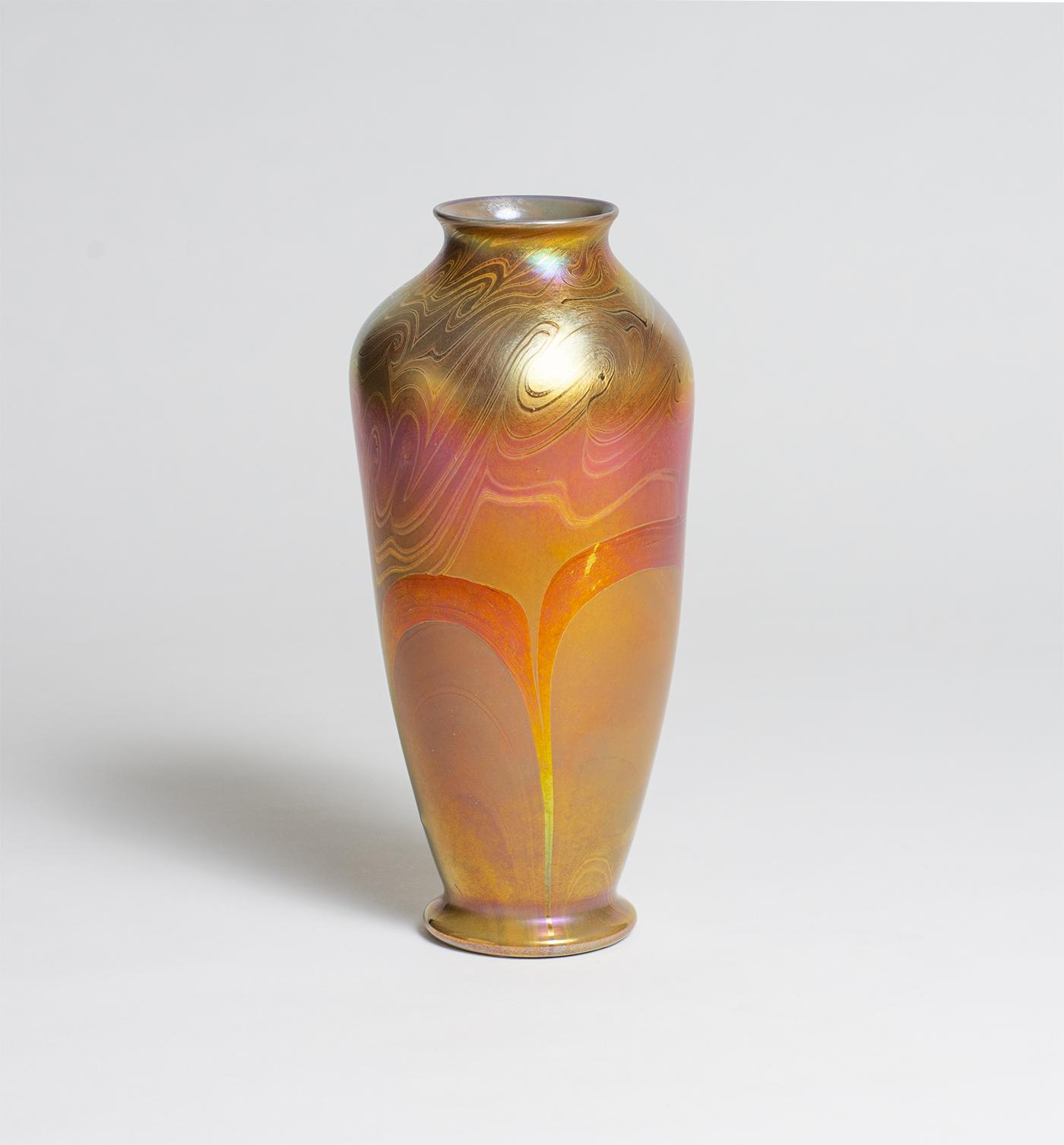Tiffany Favrile Glass  Early Decorated Vase 3