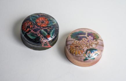 Enameled Lidded Box with Red Poppies 1