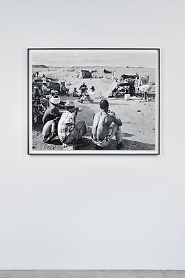 <i>Encampment of swerwers, nomadic farmworkers, on the road to Philipstown, Northern Cape, 30 December 1986</i> Image