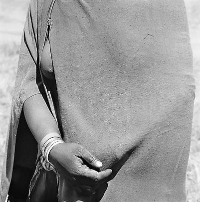 Particulars <b>Woman going to the trading store holding money under her blanket, near Flagstaff</b>, 1975 Image