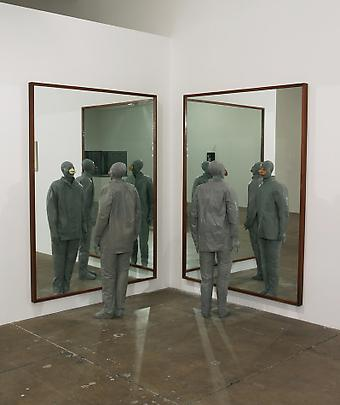 JUAN MUÑOZ <b>Two Chinese with Noses and Mirrors</b>, 1998 Image