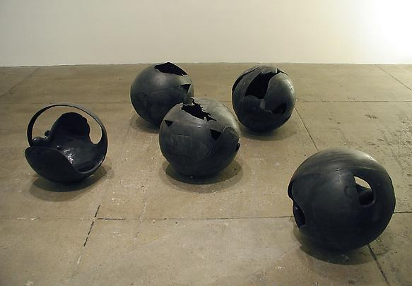Installation view: <b>Multiple Pourings (1)</b>, 2003 Image