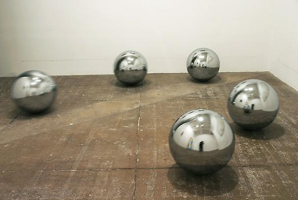 JEPPE HEIN <b>Continuity Reflecting Space</b>, 2003 Image