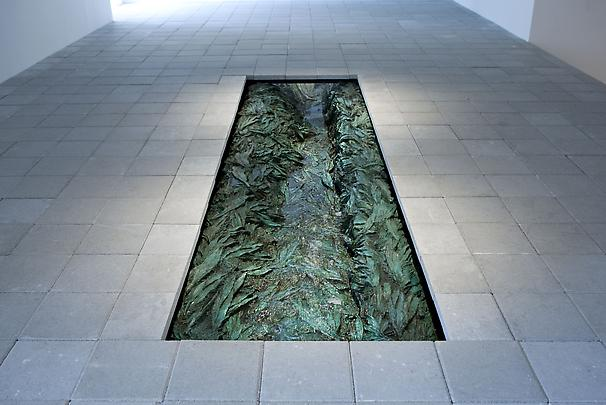 <b>Bajo La Superficie (Under the Surface)</b>, 2011 Image
