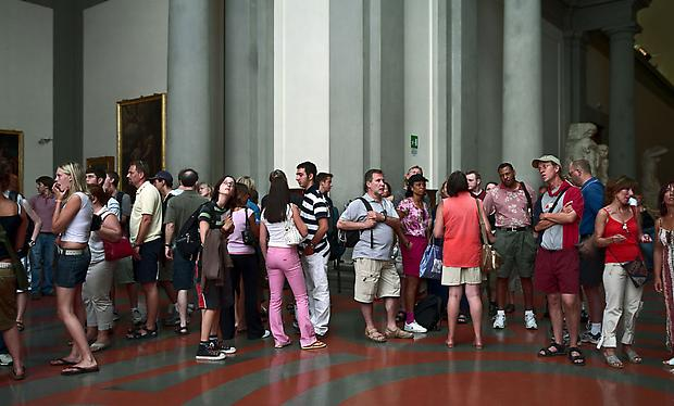 <b>Audience 9 (Galleria Dell' Accademia), Florenz</b>, 2004 Image