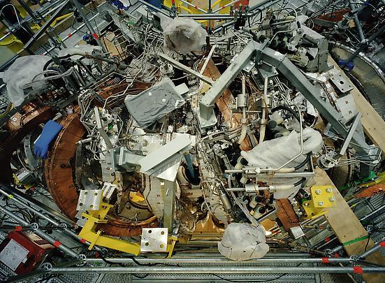 <b>Stellarator Wendelstein 7-X Detail Max Planck IPP, Greifswald</b>, 2009 Image