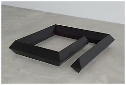 <i>Trap</i> 1968 Cast bronze, black patina 10 x 55 x 55 inches; 25 x 140 x 140 cm