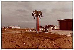 Luigi Ghirri, <i>Bari</i>, 1982, C-print, 4 x 5 7/8 inches; 10 x 15 cm