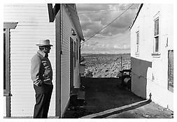 Henry Wessel <i>Nevada</i> 1975 Vintage gelatin-silver print 14 x 17 inches; 36 x 43 cm