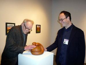 Peter Schjeldahl and Matthew Marks with Ken Price sculpture, <i>Lumbo</i>, 2008.