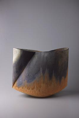 Kodô (Pulse), 2011 Multi-fired unglazed stoneware 14 3/4 x 17 3/8 x 9 inches Inv# 7061 SOLD