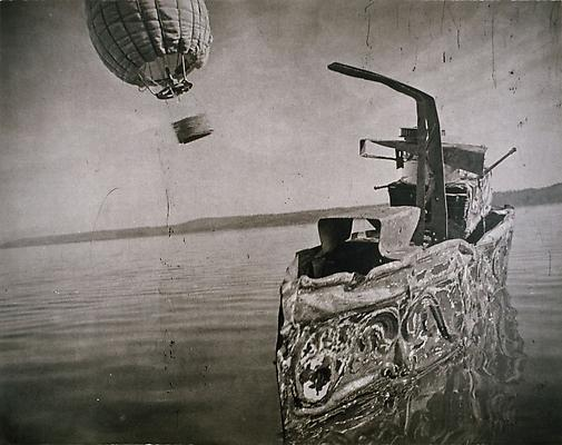 Channel crossing with Hot Air Balloon, 2005 photogravure on Somerset White paper 55,88 x 71,12 cm edition of 8 3,500. € including tax
