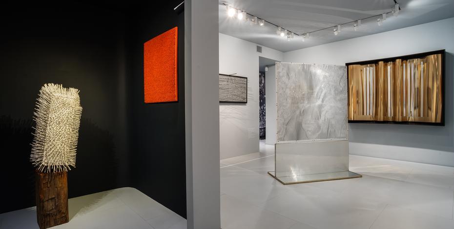 http://www.moellerfineart.com/exhibitions/2014-10-13_zero-in-vibration-vibration-in-zero/