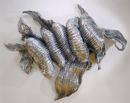 Lynda Benglis Tempest (Juliet) 1990 Stainless steel mesh and aluminum 84 x 78 x 18 inches (213.4 x 198.1 x 45.7 cm)