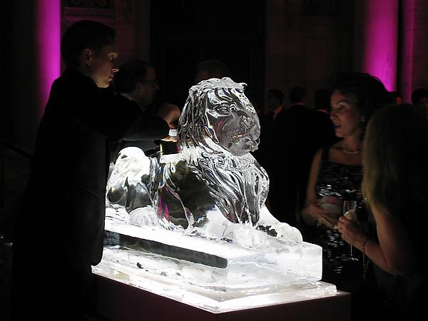 NYPL Lion Sculpture with Caviar Chiller Function New York Public Library, NY