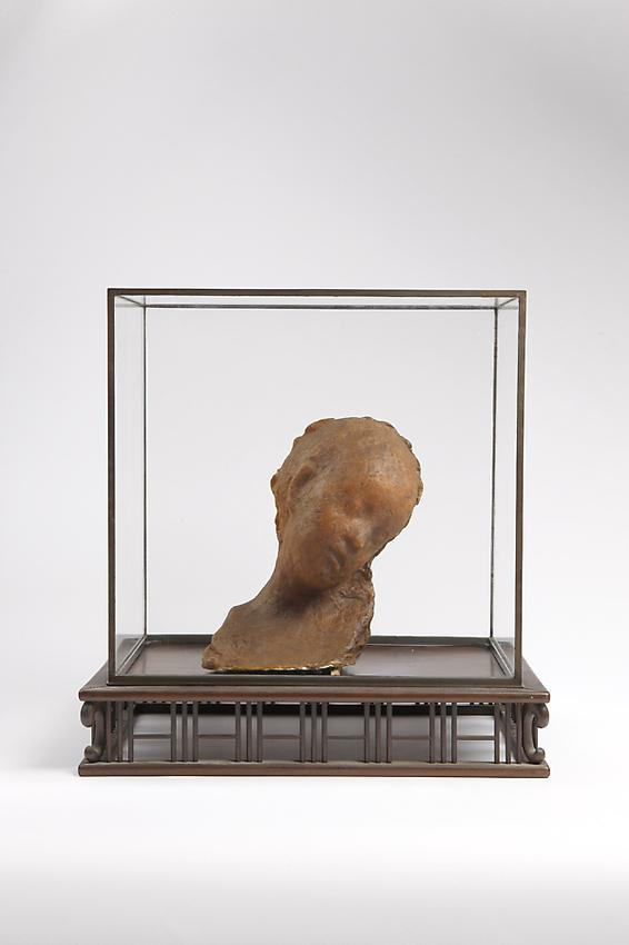 Medardo Rosso&lt;br /&gt;Bambino malato&lt;br /&gt;c. 1895&lt;br /&gt;wax over plaster&lt;br /&gt;6 3/4 x 5 7/8 x 10 inches&lt;br /&gt;(17 x 15 x 25.5 cm)&lt;br /&gt;in it&#039;s original vitrine 15 7/8 x 10 x 15 5/8 inches&lt;br /&gt;(40.5 x 25.5 x 38.5 cm)&lt;br /&gt;