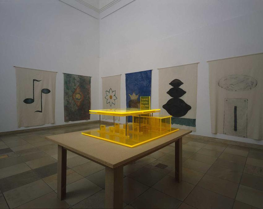 <u>Thomas Schütte </u><br />Haus der Kunst<br />7 June - 6 September 2009<br />