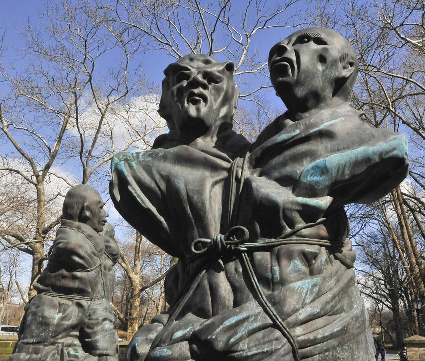 THOMAS SCHÜTTE<br />United Enemies, I & II<br />Doris C. Freedman Plaza at Central Park<br />5 March - 1 August 2013<br />