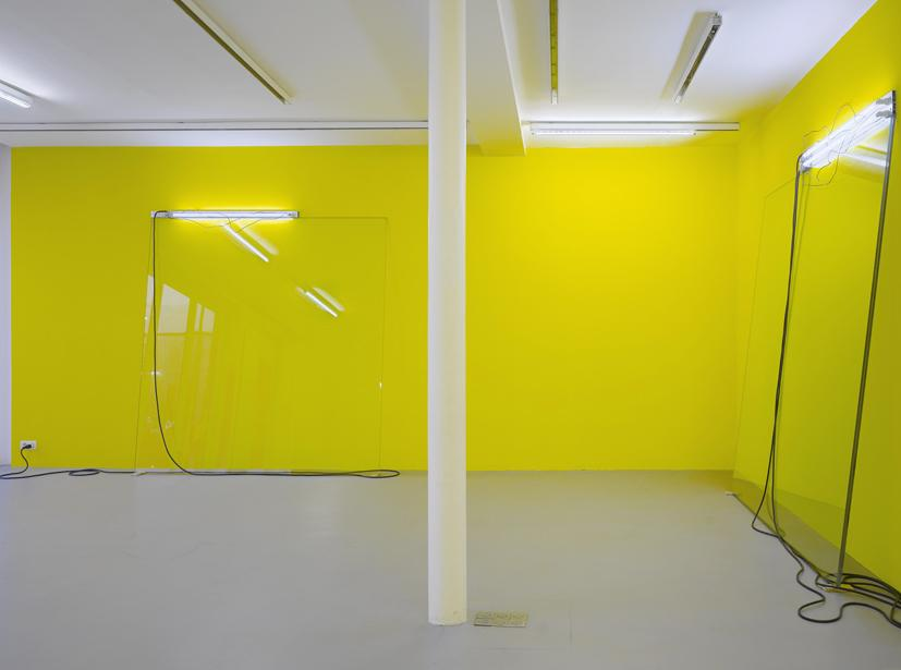 PEDRO CABRITA REIS<br /><i>The Leaning Paintings #5</i> (4 éléments)<br />2008<br />glass, fluorescent lights, aluminium, wood<br />Installation: variable dimension<br />glass panels: 240 x 240 cm (94 1/2 x 94 1/2 inches)<br />