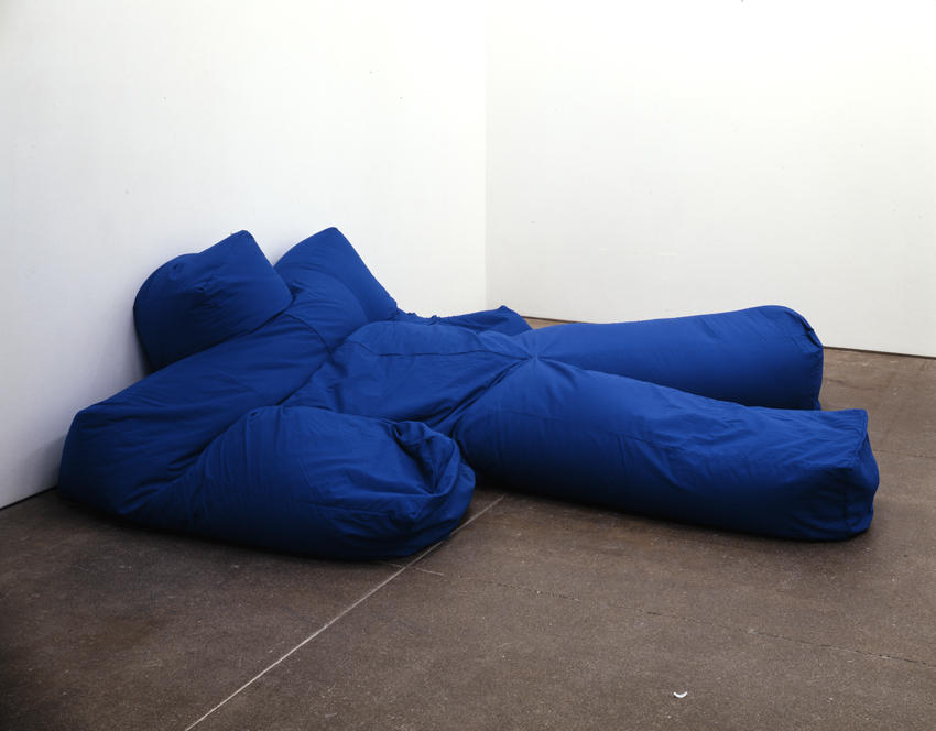 <i>Nr. 24</i> 2007 Video and one sculpture Sculpture: blue screen material, styrofoam