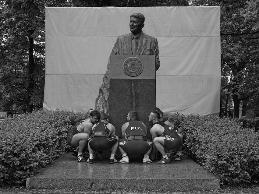 Christian Jankowski Heavy Weight History (Ronald Reagan) Photograph