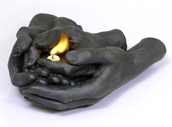 En Tí III, 2004 Bronze oil and candle 3 1/2 x 7 1/2 x 11 inches 9 x 19 x 27.9 cm