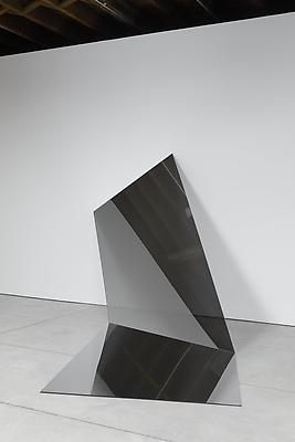IRAN do ESPÍRITO SANTO Untitled (Folded Mirror 13), 2011 mirror 86 x 121 1/2 x 138 inches (218.4 x 308.6 x 350.5 cm) IdES-357