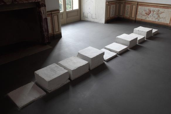 Genova (foto di gruppo), 2011 marble mud 40 x 450 x 22 cm exhibition view at Castello di Rivoli, Turin 2013