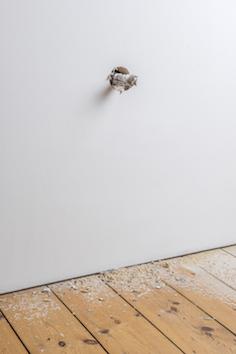 Michael Sailstorfer Freedom Fries am Arbeitsplatz-London, 2015 coring machine, casted iron, iron 52 x 40 x 110 cm